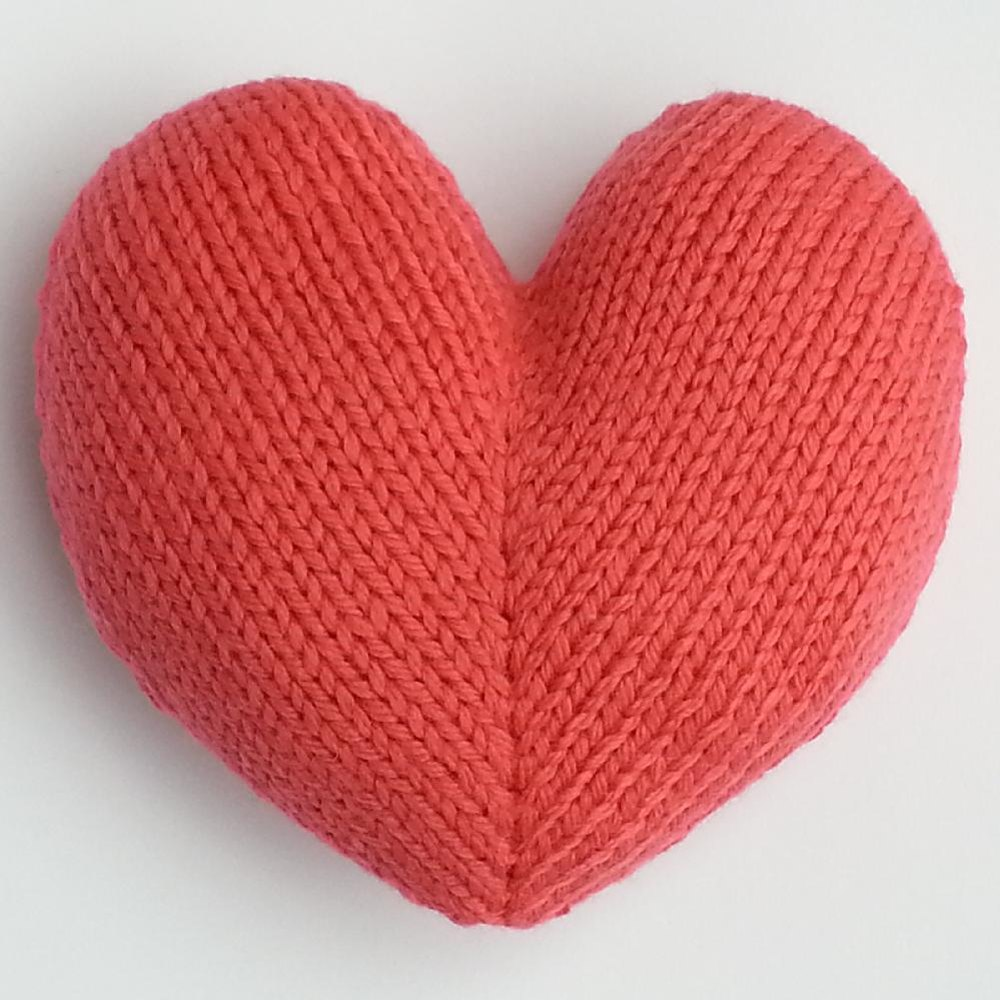 Red Heart Free Knitting Patterns For Dolls : Love Hearts Knitting pattern by Squibblybups