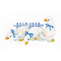 Luca-S Three Geese Cross Stitch Kit