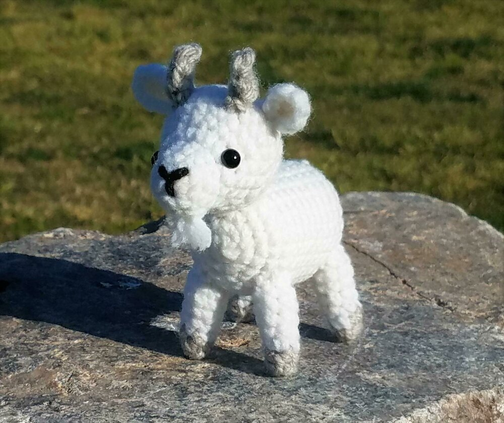 Amigurumi Pattern - Gordy the Goat | Bluprint | 838x1000