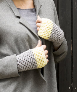 Elika Wristwarmers in MillaMia Naturally Soft Aran