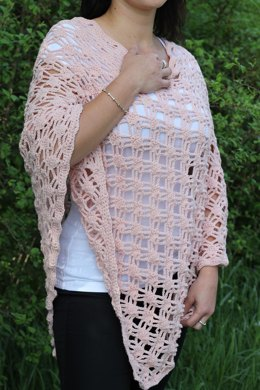 Light poncho with easy stitches