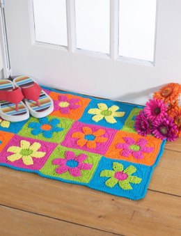 Flower Power Rug in Bernat Handicrafter Cotton Solids
