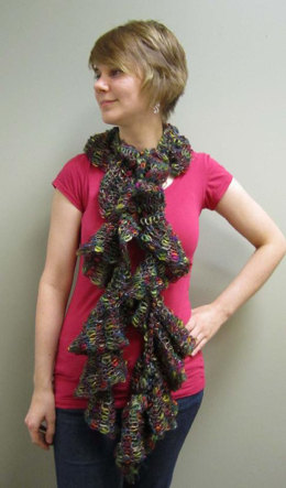 Scarf in Plymouth Yarn Scandalicious - F415 - Downloadable PDF