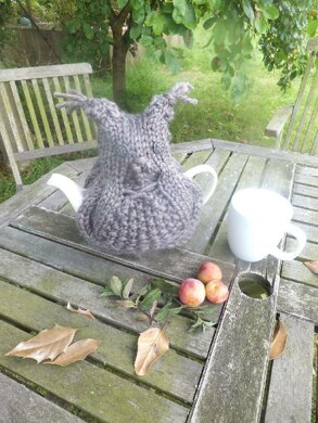 Brown Owl Tea Cosy With Water Bottle Cover Variation